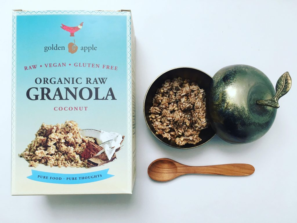 golden apple_granola_mooni_blog