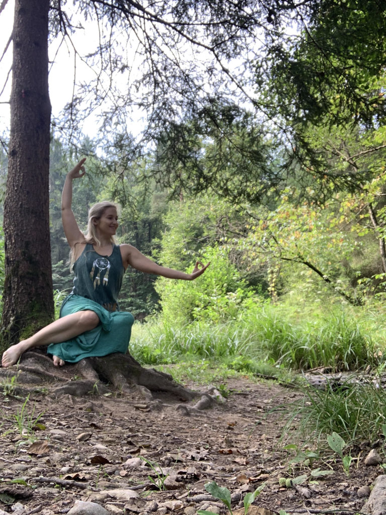 delavnica prisluhni intuiciji_mokini yoga_duhovna akademija amba_mooni blog