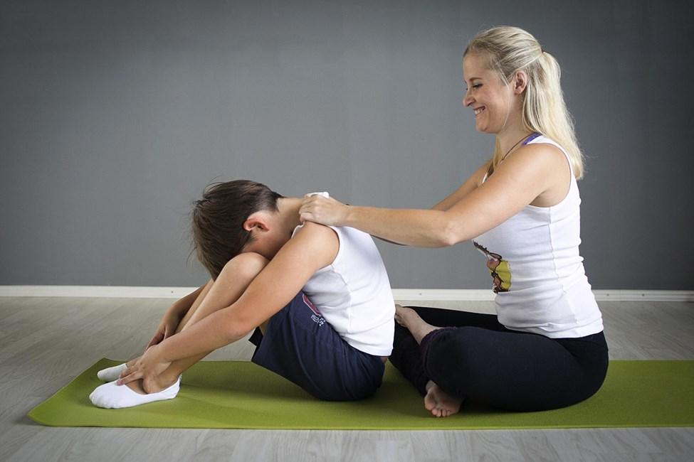 online program mini zen_joga za otroke_čuječnost za otroke_meditacija za otroke_mini monkini yoga_sproščanje za otroke_tehnike učenja za otroke
